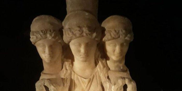 Denizli'de 3 başlı kadın heykeli ele geçirildi