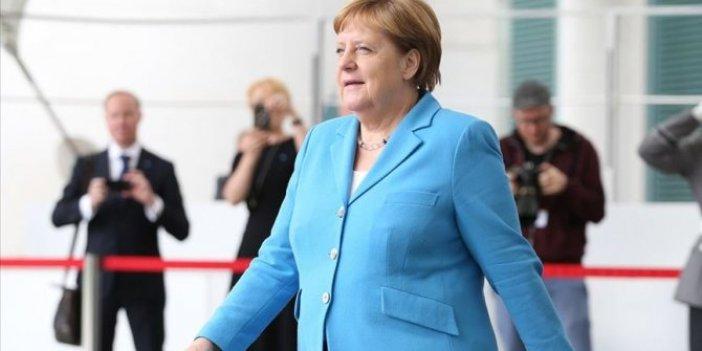 "Merkel: ""Endişeye gerek yok iyiyim"""
