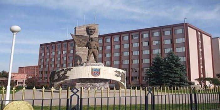 Jandarma Atatürk heykelini kaldırdı!