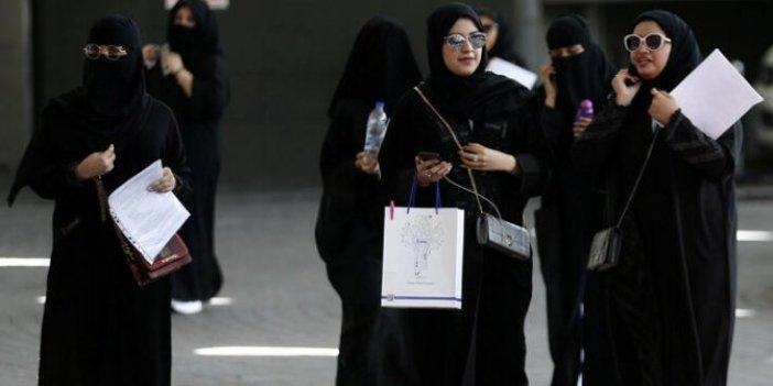 Suudi kadınlara yalnız seyahat izni