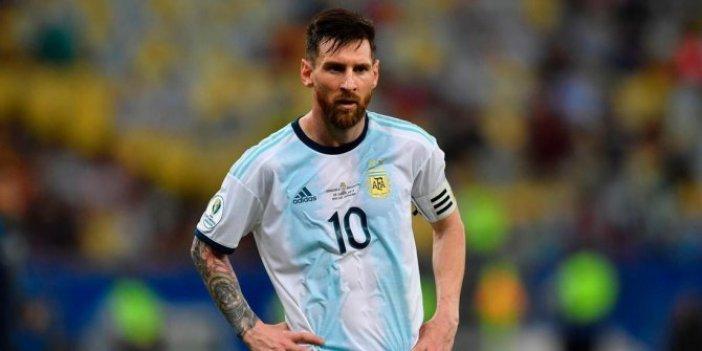 Lionel Messi'ye 3 ay futboldan men cezası
