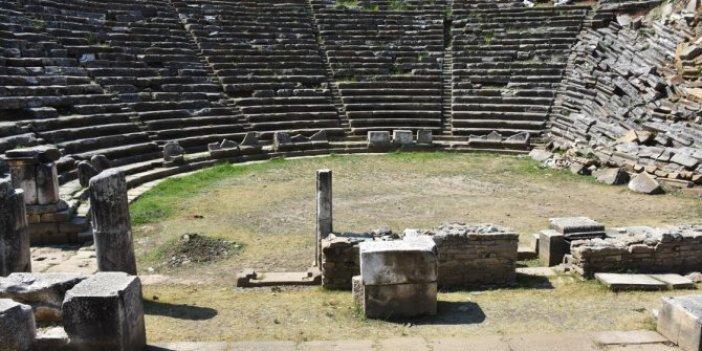 Muğla'daki antik tiyatronun sahnesi gün yüzüne çıkacak