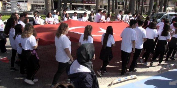 Milli Eğitim'in İzmir Marşı çelişkisi