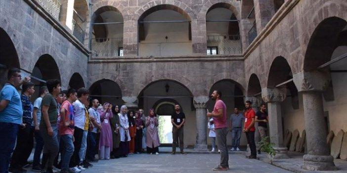 Üç asırlık medrese restorasyonun ardından ziyarete açıldı