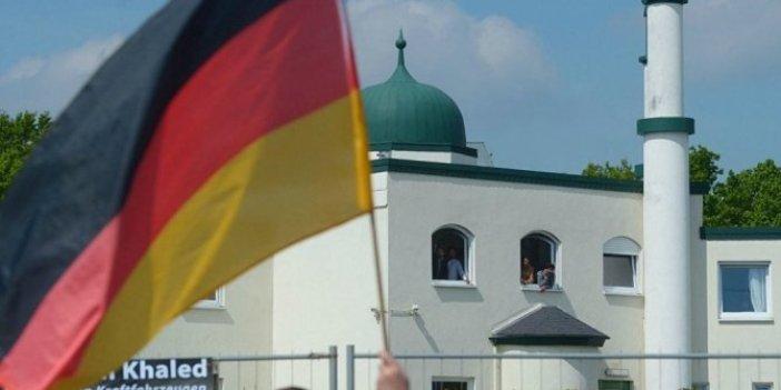 Almanya'da camiler diken üstünde!