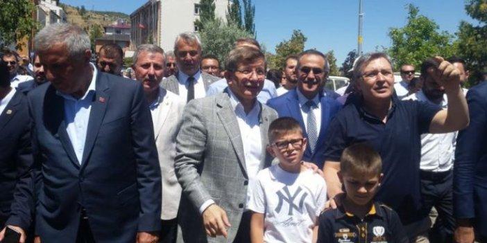 Babacan'ın ardından bir çıkış da Davutoğlu'ndan