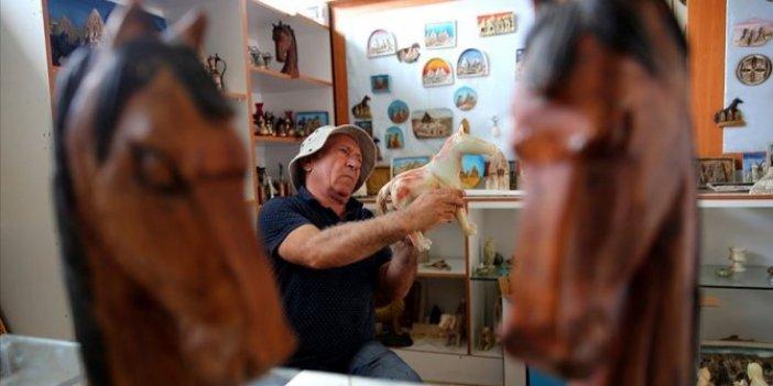 Kapadokya'yı at heykelleri ile tanıtıyor