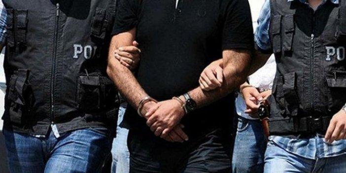Uyuşturucu satmaktan aranıyordu: Dolmuşta yakalandı