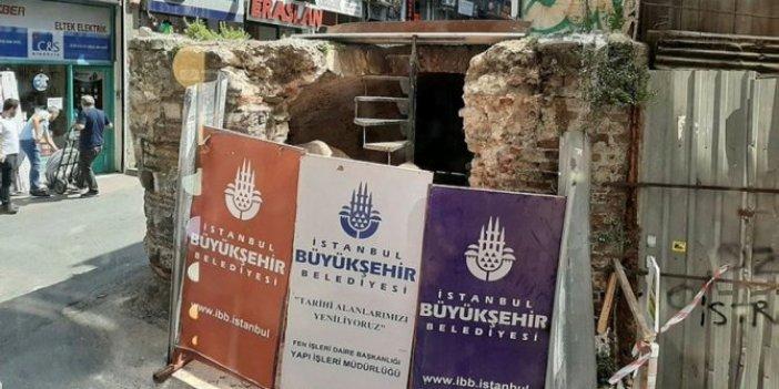 Pir Mehmed çeşmesinin tarihi taşları çöpe atılmış