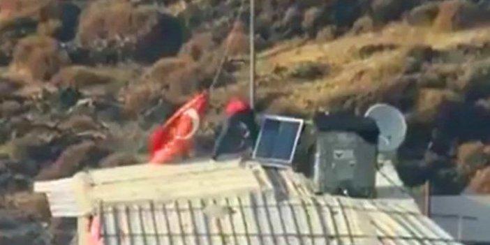 Eşyalar yerine çatıdaki Türk bayrağını kurtardı!