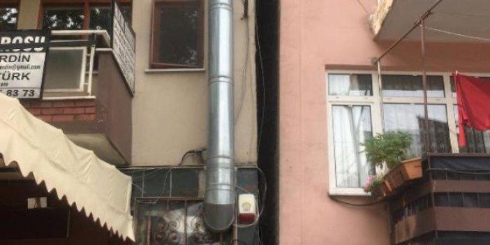 Deprem İzmit'te iki apartmanı yerinden oynattı
