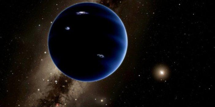 Güneş'in etrafında kara delikler mi var?