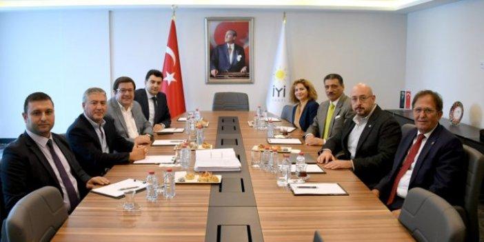 CHP ve İYİ Parti heyetleri bir araya geldi