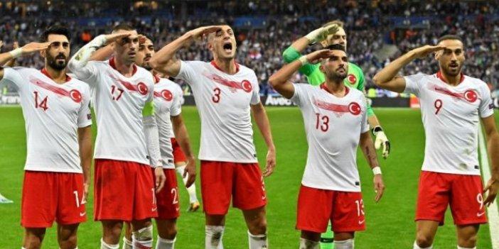 UEFA'nın en iyi ilk 11'de iki Türk