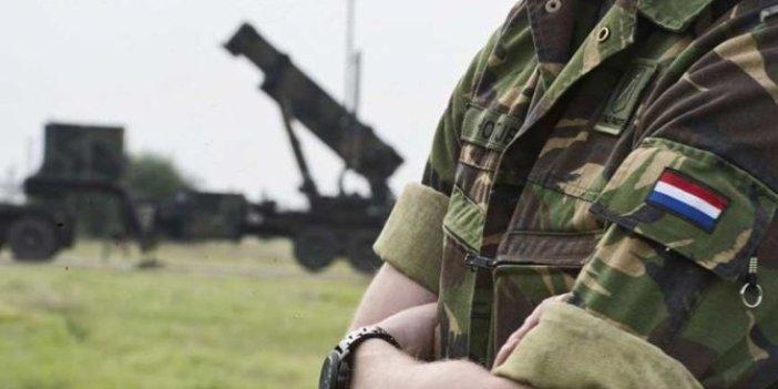 Hollanda 70 sivili öldürmüş
