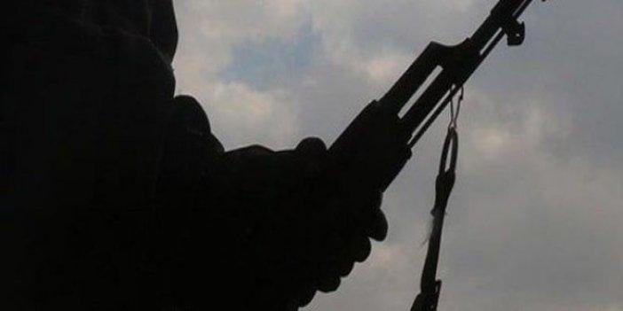2 terörist hudut karakoluna teslim oldu
