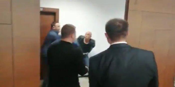 Denizlispor'un eski başkanı ve ekibi silahlarla toplantıyı bastı