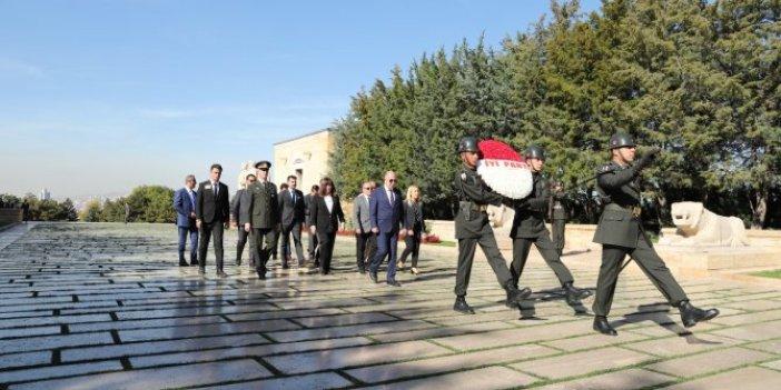 İYİ Parti kuruluş yıl dönümünde Ata'nın huzurunda
