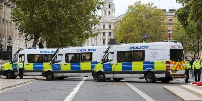 Londra'da şüpheli araç paniği!
