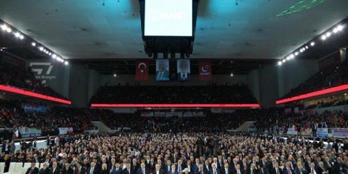 Saadet Partisi'nin kongresinde neler oldu: Erbakan var, Atatürk yok!