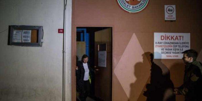 Nazlı Ilıcak ve Ahmet Altan cezaevinden böyle çıktı