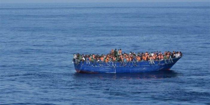 Kayalara çarpan teknede 5 göçmen öldü