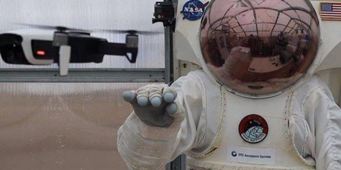Astronotlar için akıllı eldiven!