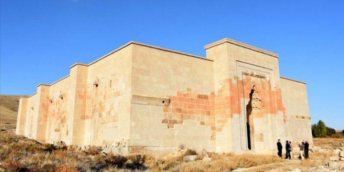 9 asırlık Selçuklu kervansarayı restore ediliyor