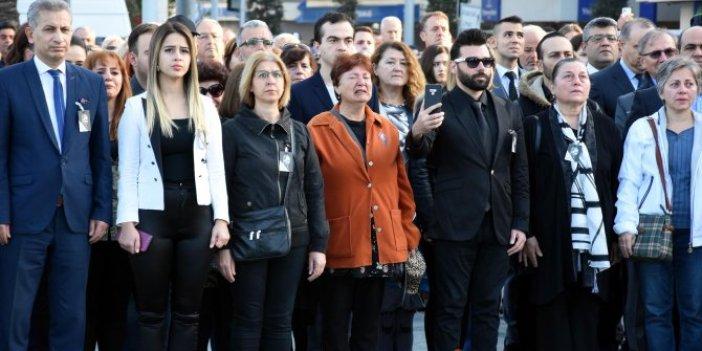 İzmir'de ağlatan anma