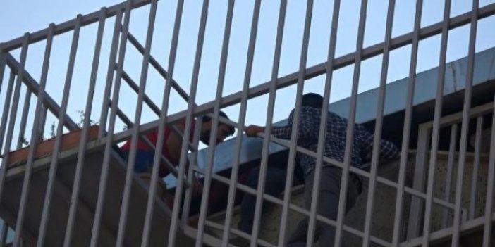 Yabancı uyruklu işçiler polisten böyle kaçtı