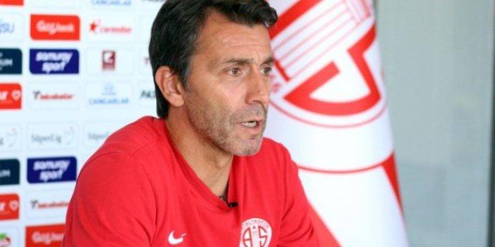 Bülent Korkmaz Antalyaspor ile yollarını ayırdı