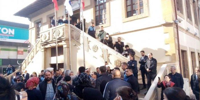 Çorumlulardan AKP'li Başkana istifa çağrısı