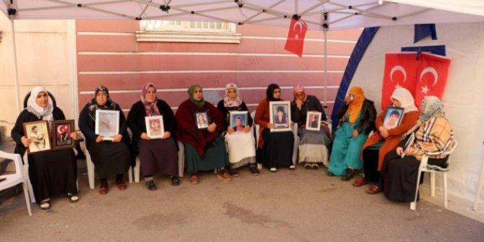 HDP önünde evlat nöbetini sürdüren annenin feryadı yürekleri dağladı