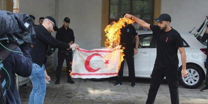 Rumlar KKTC bayrağını yaktı!