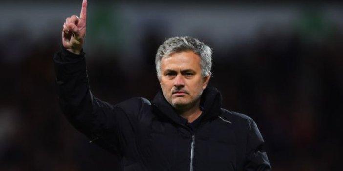 Jose Mourinho Tottenham ile anlaştı