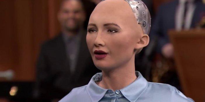 İnsansı robot Sophia, çizdiği portre ile şaşırttı