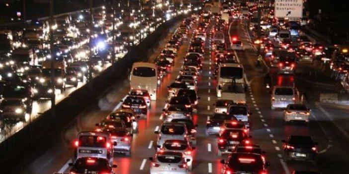 İstanbul'da cuma trafiği çilesi!
