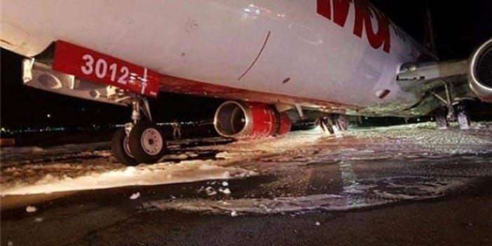 İniş takımları arızalanan uçakta büyük panik!