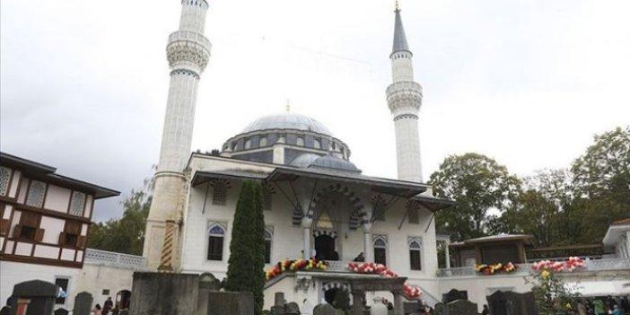 Almanya'da camiye bomba tehdidi