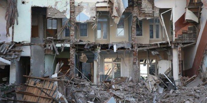 """""""Depremin yerini ve büyüklüğünü tahmin edebiliyoruz"""""""