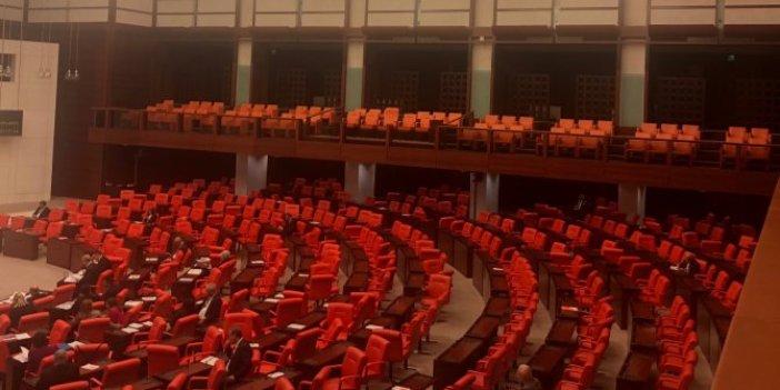 Teklifi veren AKP, Meclis'e gelmeyen de AKP