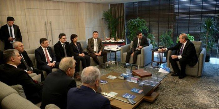 CHP, Saray'daki görüşme iddialarını yargıya taşıyacak