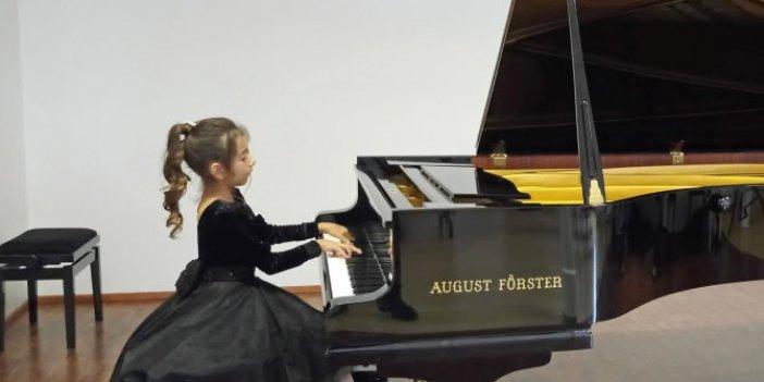 Piyanonun altın kızına Viyana'da birincilik ödülü