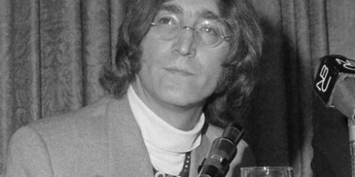 Efsanevi Beatles üyesi John Lennon'ın gözlükleri açık artırmada!