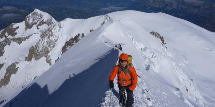 Dünyaca ünlü kayak merkezinde çığ düştü