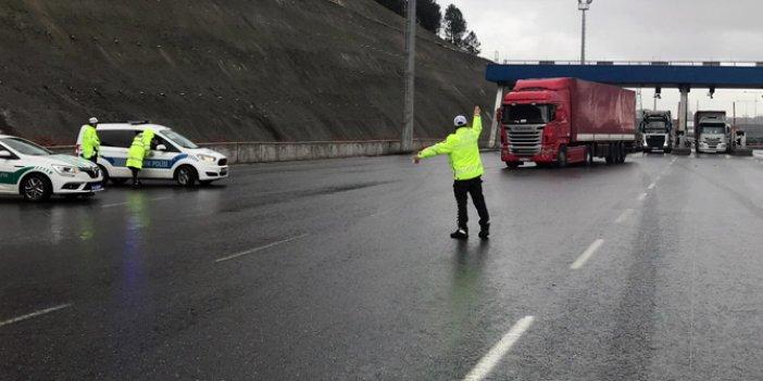 Zorunluluk bugün başladı! Trafik polisleri ceza yazıyor