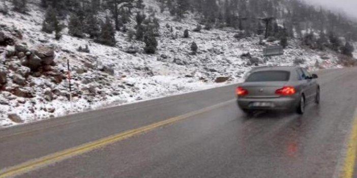 Antalya-Konya yolunda kar yağışı başladı
