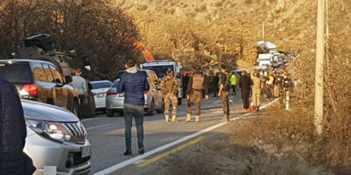 Operasyondan dönen askerleri taşıyan zırhlı araç devrildi