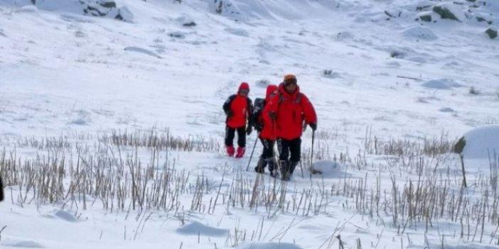 Uludağ'da 2 dağcıyı arayan AKUT ekibi kayboldu