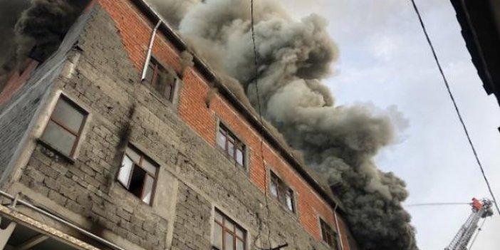 Alev alev yandı: Çevredeki evlere sıçradı